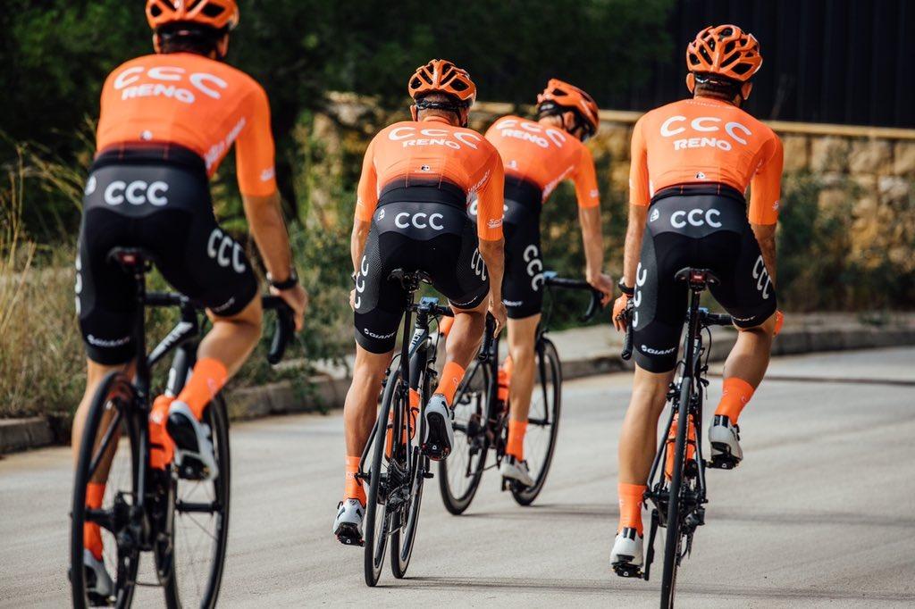 """Szymon Sajnok i Ilunr Zakarin liderami CCC Team na Tour de Pologne - na co stać """"pomarańczowych""""?"""