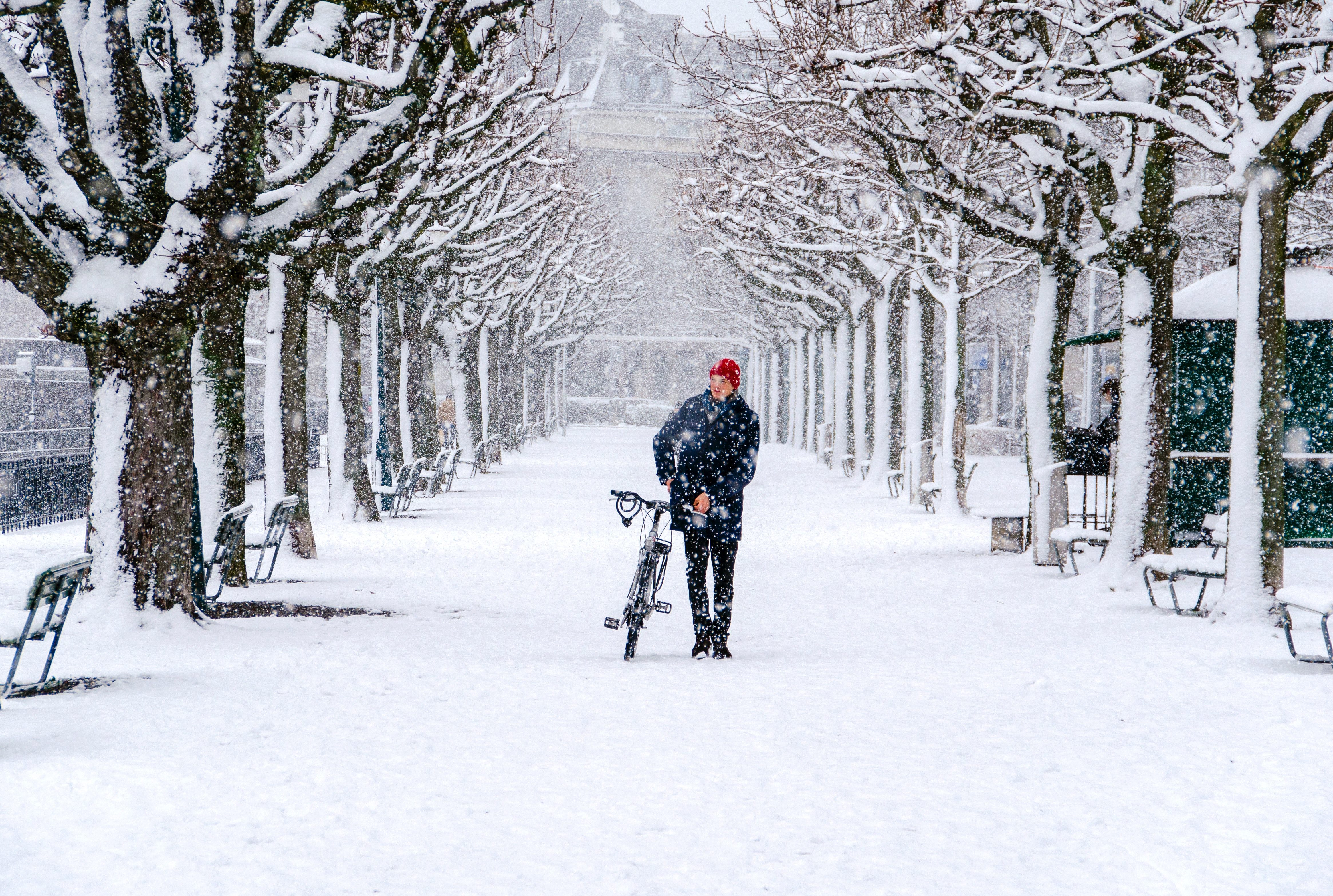 Zima, śnieg, mróz? Nie porzucaj roweru, jazda w takich warunkach może przynosić frajdę