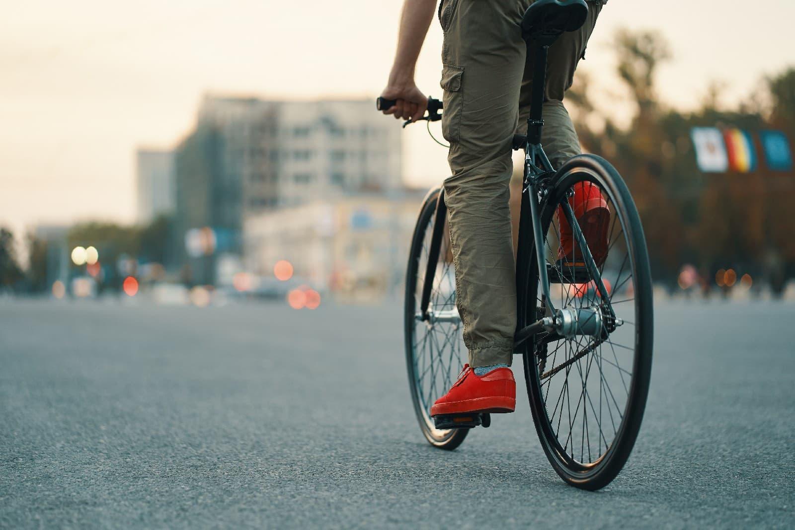 21 maja Dniem Dojazdu Rowerem Do Pracy: Polacy kochają jazdę na rowerze
