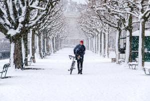 Zima, śnieg, mróz? Nie porzucaj roweru, jazda w takich warunkach...